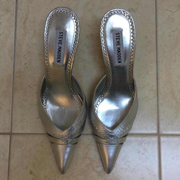 Steve Madden Shoes - Steve Madden Metallic Silver Pumps